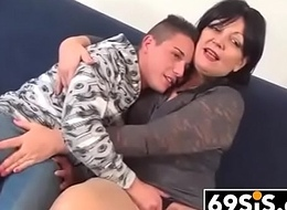 hardcore sex in hall on couch - 69sis.com