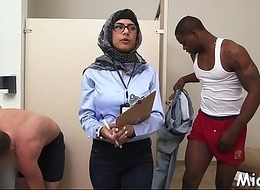 Cocks get jerked by an arab doxy