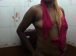 desi girl taking bath solo self shot