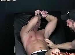 Pervy twink Franco enjoys being tied up and uplifted by Tan