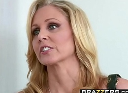Brazzers - Moms in provide with - (Julia Ann, Danny Mountain) - Sharing A Massage